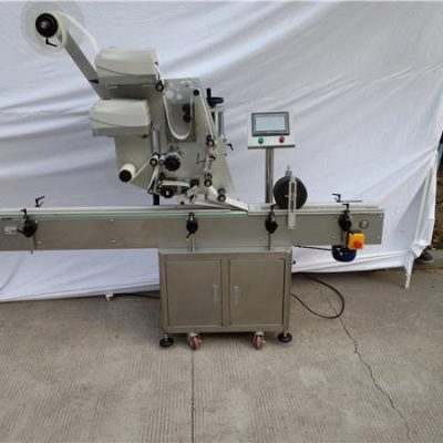 Automatic Sticker Plane Labeling Machine For Flat Bottle