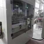 Ruostumattomasta teräksestä valmistettu automaattinen valkaisuaineen täyttökone
