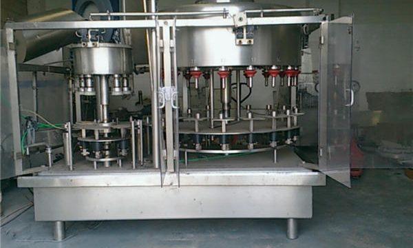 آلة تعبئة زجاجات العطور ذات الضغط السلبي بـ 10 رؤوس