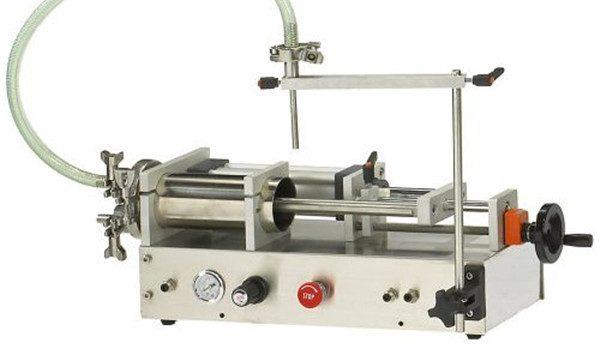 Machine de remplissage liquide moussante semi-automatique avec la bonne qualité